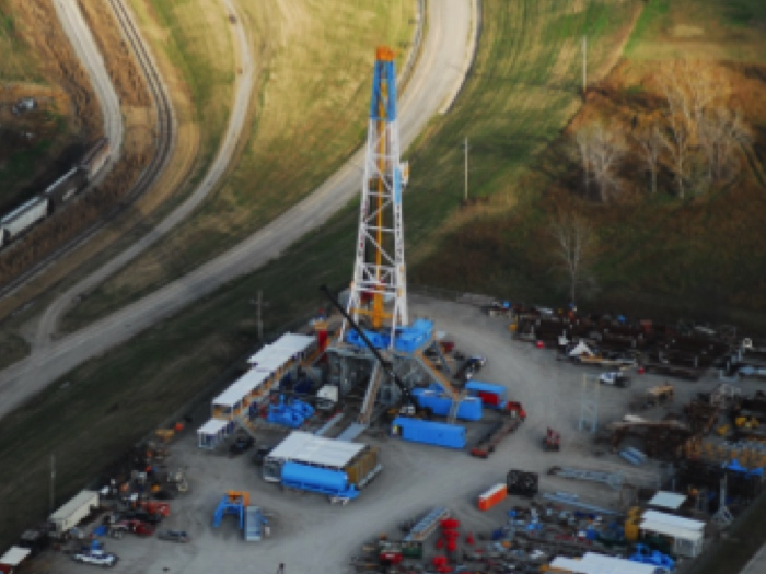 Image of Used 2000HP Mid-Continent U-1220-EB Rig for Sale