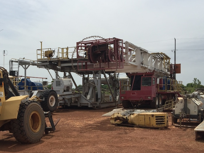 Image of Used 550HP Trailer Mounted Mechanical Skytop Brewster Doubles Drilling Rigs for Sale in Africa